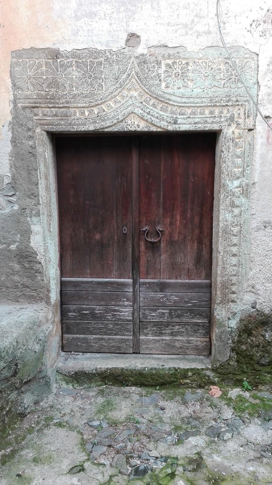 Mi punge vaghezza la porta chiusa for Porta chiusa
