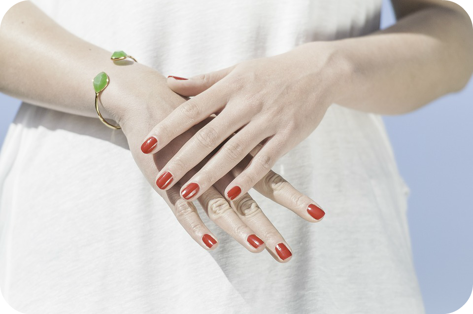 8 top tips to give yourself the perfect manicure