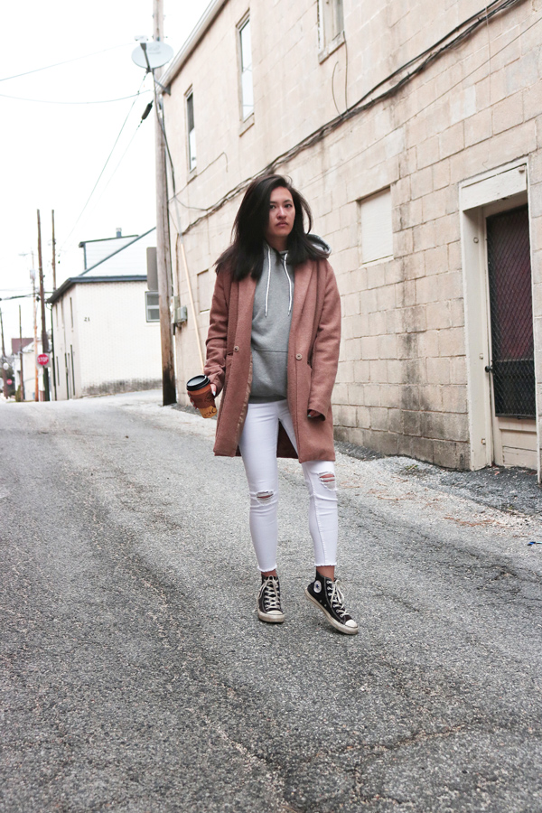 Neutral and Casual Street Style Outfit