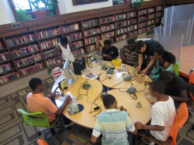LIBRARY AS MAKERSPACE