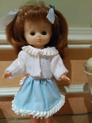 ropa para muñecas Lesly famosa