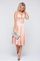 Rochie LaDonna rosa de ocazie in clos din material satinat