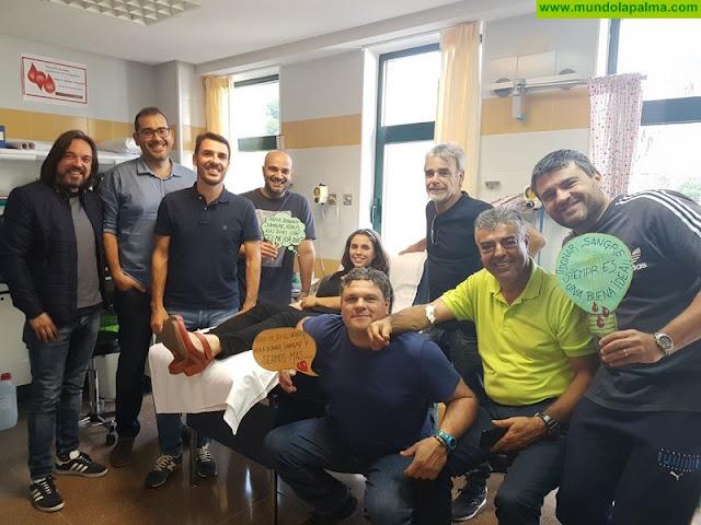 Los componentes del grupo musical Parranda La Palma también se suman a la campaña 'Dona Sangre'