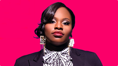 "Tasha Cobbs no topo da billboard com o single ""For Your Glory"""