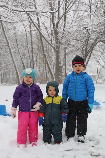 Snow Kids Love Muffins