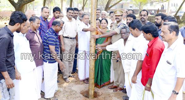 Kerala, News, Kasargod, Gallery works, Trikaripur, Trikaripur Mahotsavam; Gallery works started.