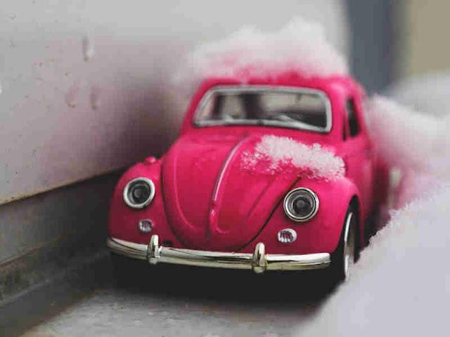 US Regulators Charge Volkswagen, Ex-CEO With Defrauding Investors