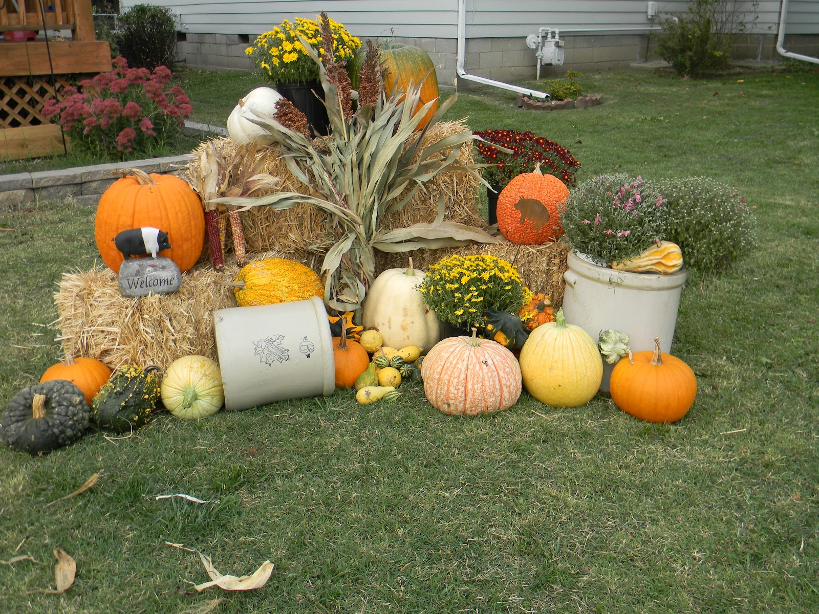 Fall Yard Decor and Stone Crocks