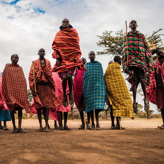 Safari Fusion blog | Jump, jump | Maasai warriors by Pablo Fernandez
