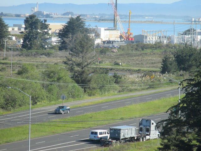 7 Explosions at Humboldt Bay Nuclear Power Plant.near King Salmon, CA. I saw 4 green explosions on the South Side of the PG&E Plant then about 10 seconds later three white Explosions. The electric power went out in King Salmon and Humboldt Hill. It is now restored. April 12th 2016 9PM California time.
