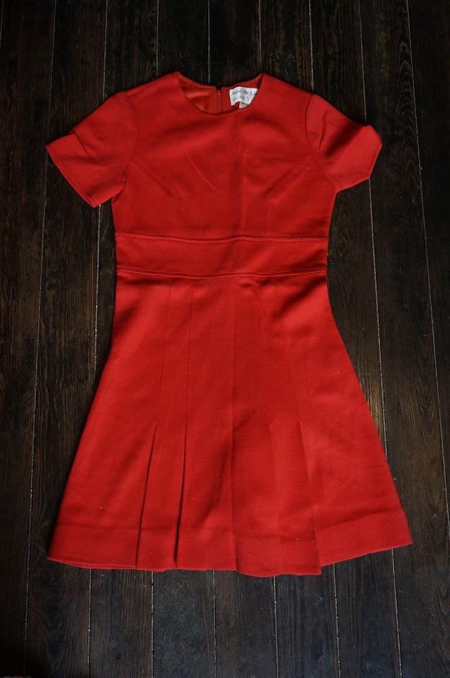 "robe rouge années 60 ""Jane de Liège"" ... made in France paris  60s red mini dress 1960s mod twiggy 70s 1970s"