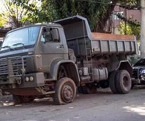 Caminhão do Exército com três toneladas maconha é apreendido