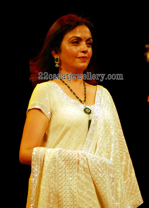 Neeta Ambani S Emerald And Ruby Beads Long Chain Gallery