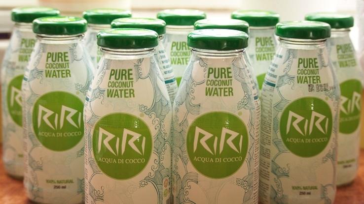 Naturalna woda kokosowa RiRi