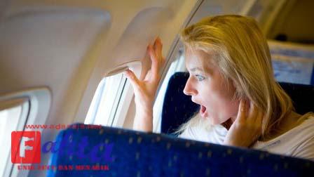 fobia takut akan terbang saat naik pesawat