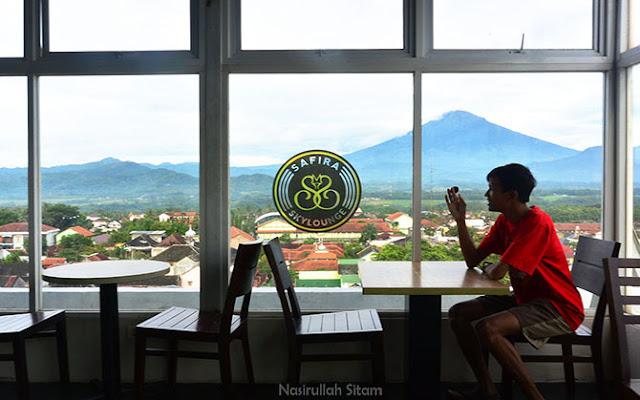 Pemandangan dari Skylounge hotel