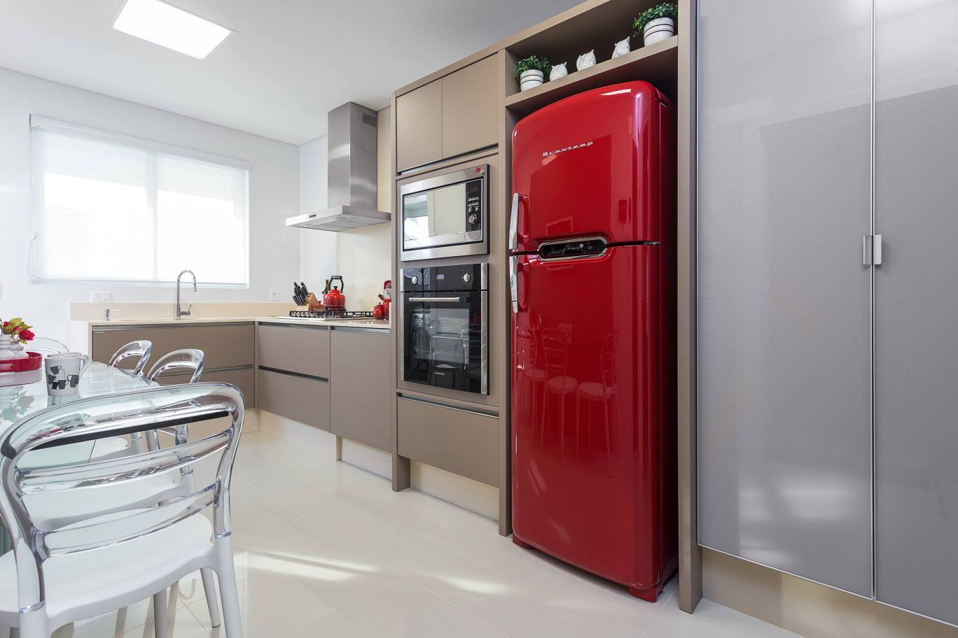 #7E1820  Super tendência! Decor Salteado Blog de Decoração e Arquitetura 1368x912 px Projetos De Cozinhas Brastemp #439 imagens