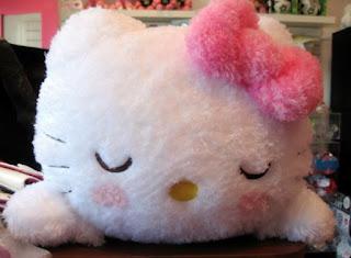Gambar Hello Kitty Tidur Boneka Lucu
