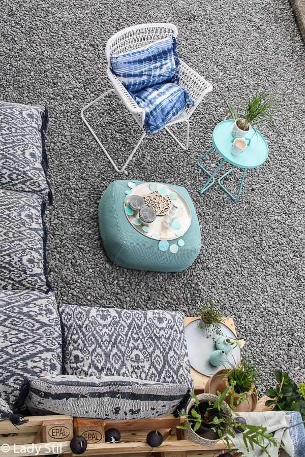die Outdoor-Saison ist in vollem Gang und mit schönen und wetterresistenten Outdoormöbeln kann man diese Zeit doppelt genießen, Cane-Line Pouf Hocker und Beistelltisch