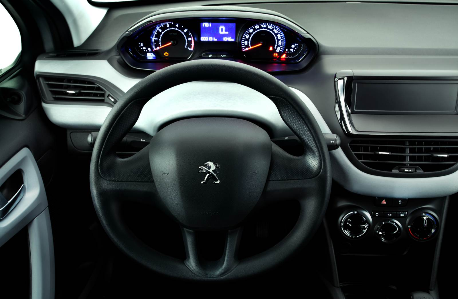 Peugeot 208 active fotos consumo pre o e ficha t cnica for Peugeot 208 interior 2017