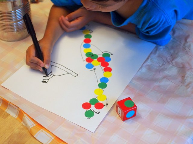 Make Your Own Spotty Dotty Game- fun activity where kids make their own board game
