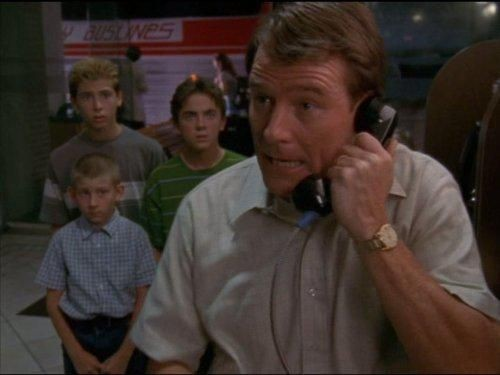 Malcolm in The Middle - Season 3 Episode 05: Charity