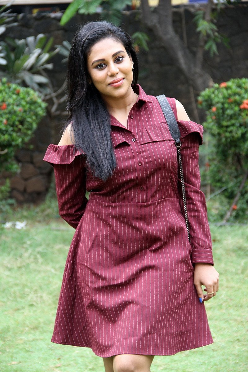 Actress Swathi Latest HD Images