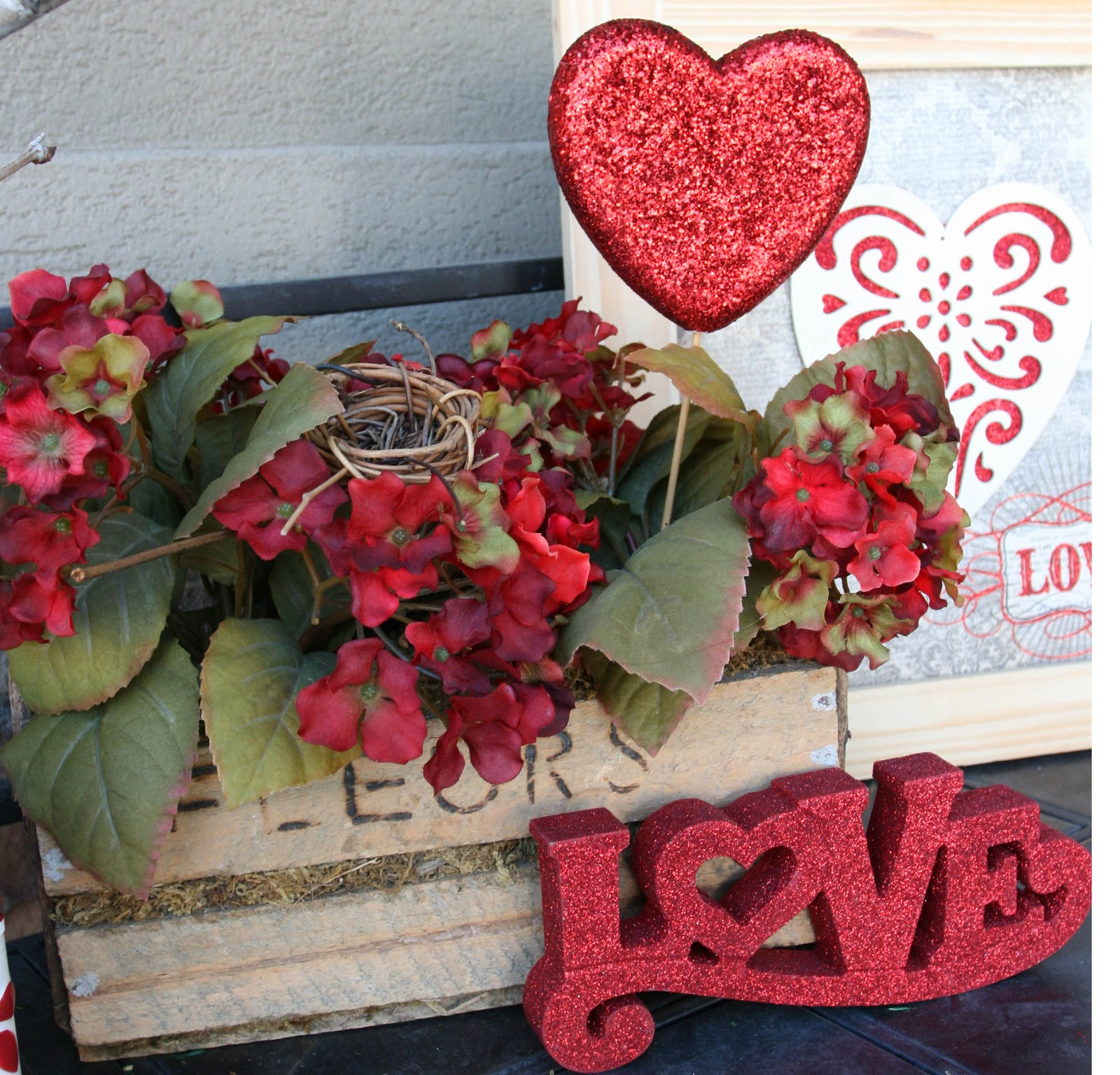 Adventures Of A BusyBee: Valentines Day Porch Decor