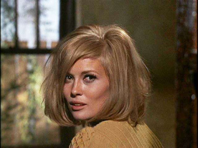 Faye Dunaway's Killer Glow in 1967's BONNIE AND CLYDE