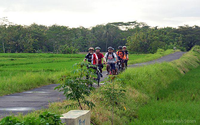 Para peserta yang ikut survei rute kopdar