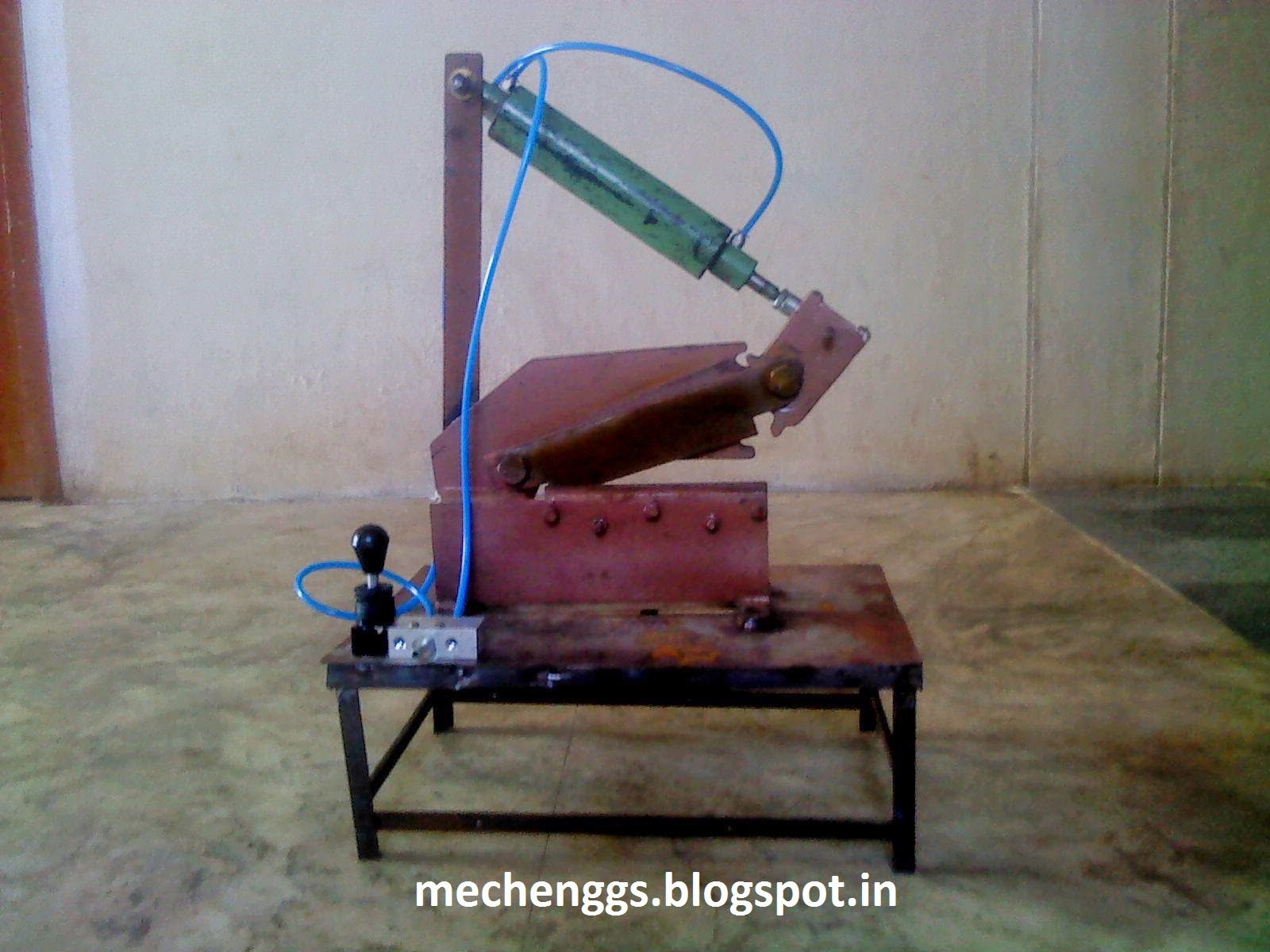 PROJECT ON PNEUMATIC SHEET METAL CUTTING MACHINE