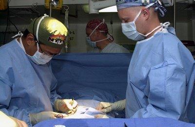 Operasi Hernia oleh Dokter Bedah