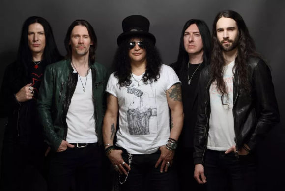 SLASH feat. Myles Kennedy & The Conspirators - Living The Dream (2018) inside