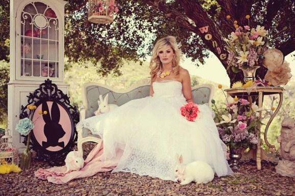 Daisy Pink Cupcake: ~Alice In Wonderland Wedding~