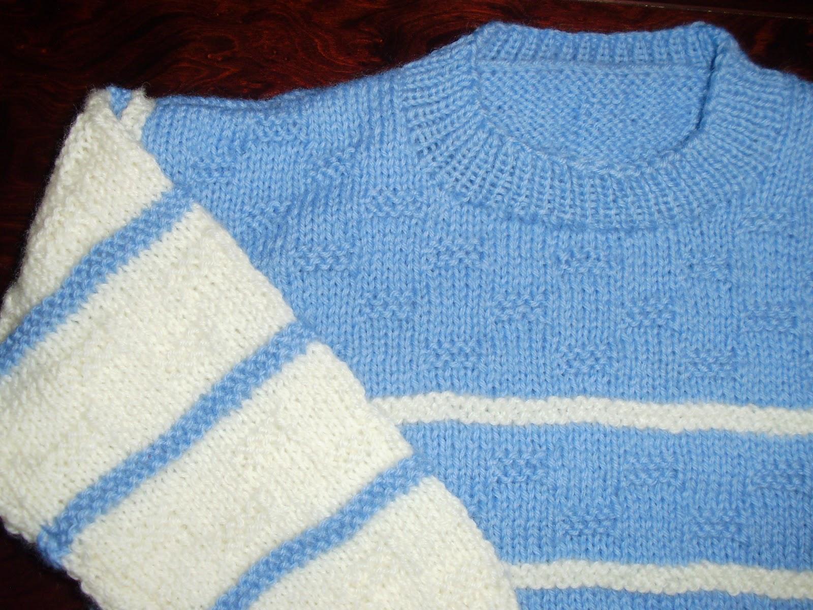 79326b8a863 Χειροποίητο παιδικό πλεκτό πουλοβεράκι, μάλλινο σε διχρωμία άσπρου και  θαλασσί χρώματος για αγόρια handmade knitted sweaters
