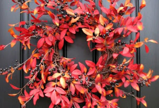 Ομορφύνετε την εξώπορτα με ένα φθινοπωρινό στεφάνι!