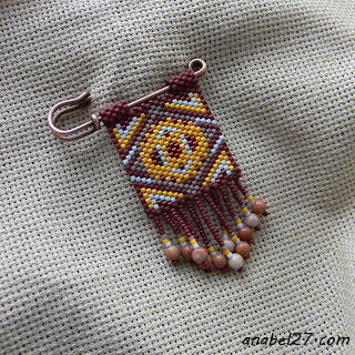 beaded peyote brooch beadwork anabel beadweaving