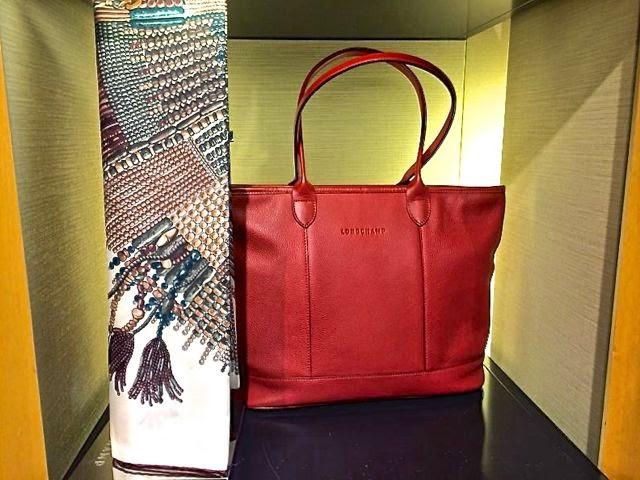 d89b72a692b Bolsas e acessórios Longchamp - Paris - Cristiane Avellar  Vitrines ...
