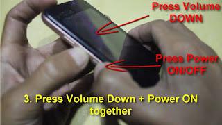 Tekan tombol Volume Down dan tombol Power secara bersamaan