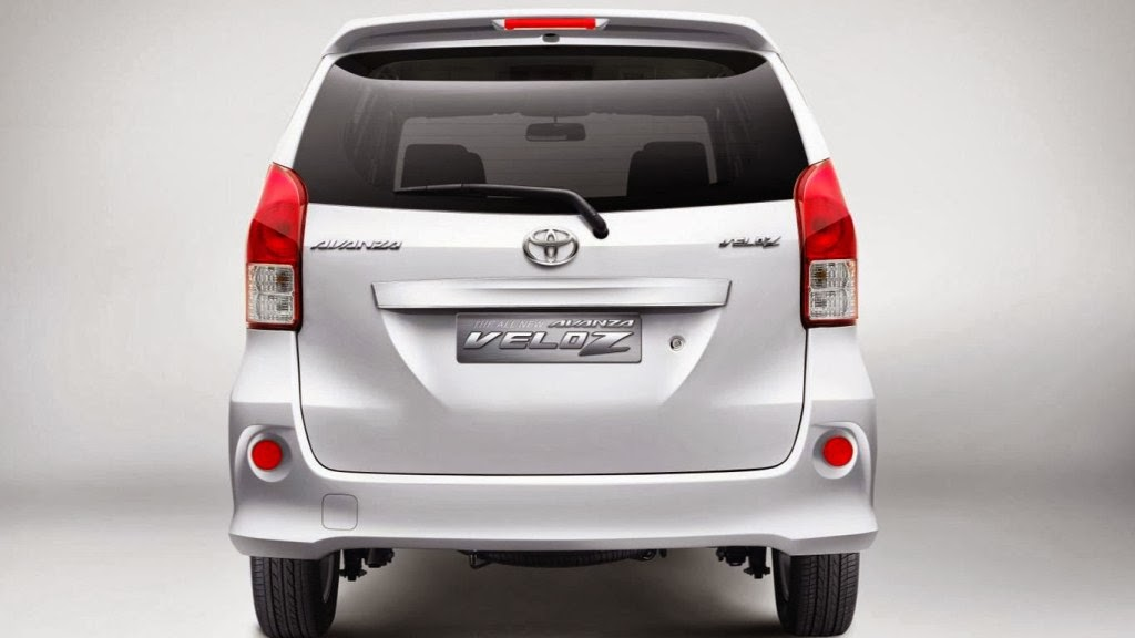 Mahindra Xuv 500 Wallpaper Hd In White Toyota Avanza 2wd Pictures Specification Prices Photos
