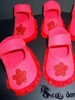 http://scalydamadragon.blogspot.com.es/2015/02/zapatos-de-bebe-hechos-de-foamy-goma.html