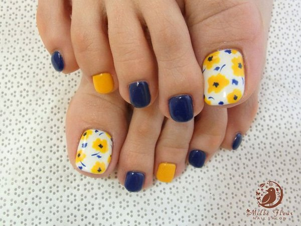 Bright Yellow Nail Art To Welcome Summer