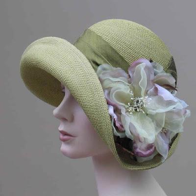 kapelusz z kwiatami