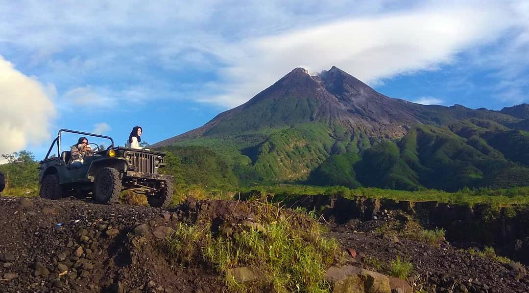 Hal ini tentu saja menjadi daya tarik tersendiri bagi wisatawan, karena wisatawan memiliki banyak pilihan wisata ketika berkunjung ke Yogyakarta. Jika Anda berkunjung pada waktu-waktu yang tidak terlalu ramai, maka Anda akan menikmati berbagai destinasi wisata ini secara lebih leluasa.