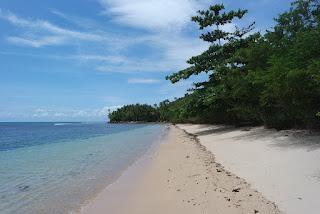 sisi lain pantai batu kalang indah