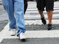 Assicurazione auto e incidente stradale con pedone: cosa deve fare il passante