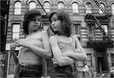 http://everybodystreet.com/post/148754994198/dee-and-lisa-on-mott-st-1975-photo-by-susan