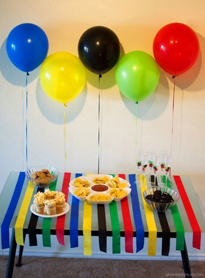Olympic Party theme decorating idea with Balloons.