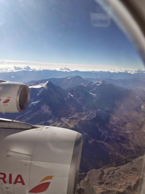 Los Andes desde el avión llegando a Chile