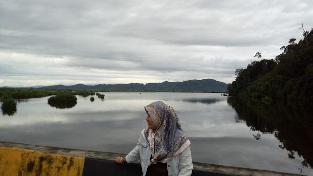 Pesona Danau Siais yang Mampu Membuatmu Jatuh Hati